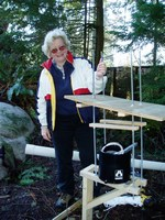 Betty hamilton, assembling tree canopy station, jan 2007(200 pixels)