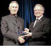 Ted van der gulik receiving bcwwa bridge building award